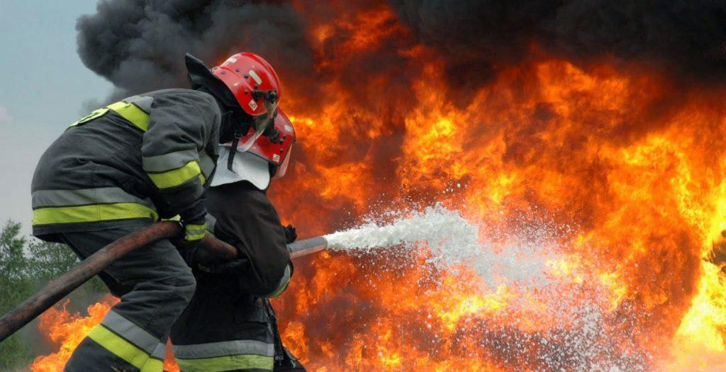 Πυροσβεστική και Αστυνομία καταδιώκουν εμπρηστές στη Ζάκυνθο   Pagenews.gr