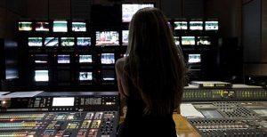 Τζόκερ: Ποια Ελληνίδα παρουσιάστρια φημολογείται ότι το κέρδισε | Pagenews.gr