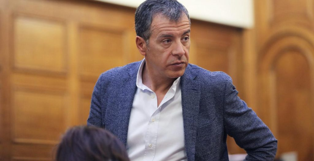Σταύρος Θεοδωράκης: Η νέα παράταξη δεν θα είναι νέο ΠΑΣΟΚ | Pagenews.gr
