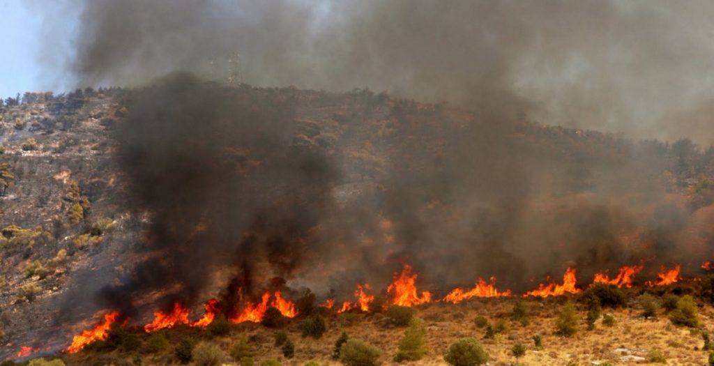 Ζάκυνθος: Σε ύφεση η μεγάλη πυρκαγιά στις Μαριές | Pagenews.gr