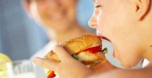 Παιδική παχυσαρκία στην Ελλάδα – Ένα σοβαρό κοινωνικό πρόβλημα | Pagenews.gr