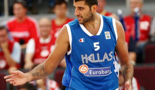 Γιάννης Μπουρούσης: «Για όσο με κρατούν τα πόδια μου θα είμαι μέλος της Εθνικής» | Pagenews.gr