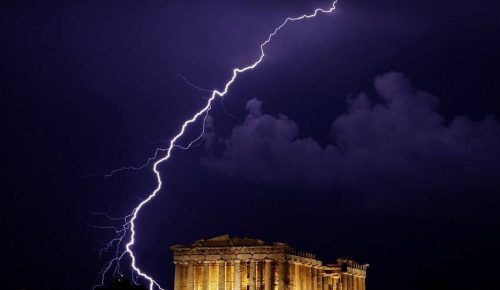 Ελλάδα: Περισσότεροι από 100.000 κεραυνοί έπεσαν το Ιούλιο | Pagenews.gr