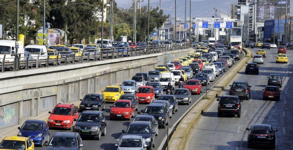 Και οι Έλληνες γυρνούν την πλάτη στα βενζινοκίνητα αυτοκίνητα | Pagenews.gr