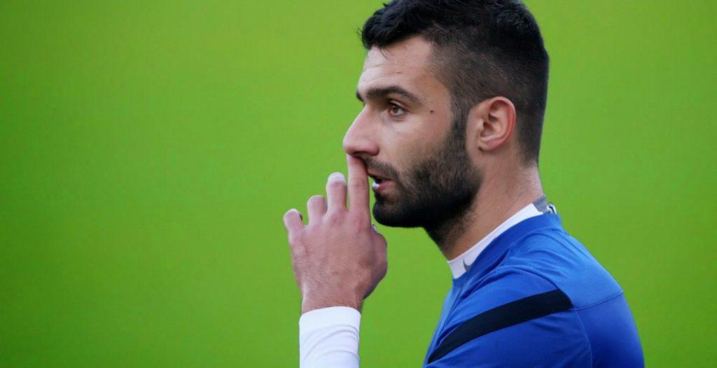 Τζαβέλλας: «Όλοι οι παίκτες θέλουμε να μείνει ο Σκίμπε»   Pagenews.gr