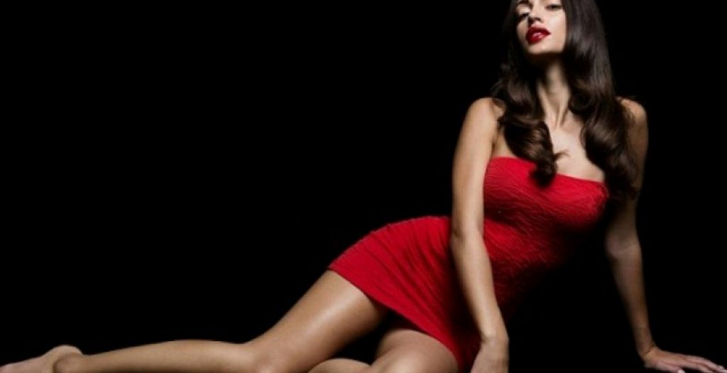 Παρουσιάστρια του ΑΝΤ1 μας έδειξε τα εντυπωσιακά οπίσθια της !   Pagenews.gr