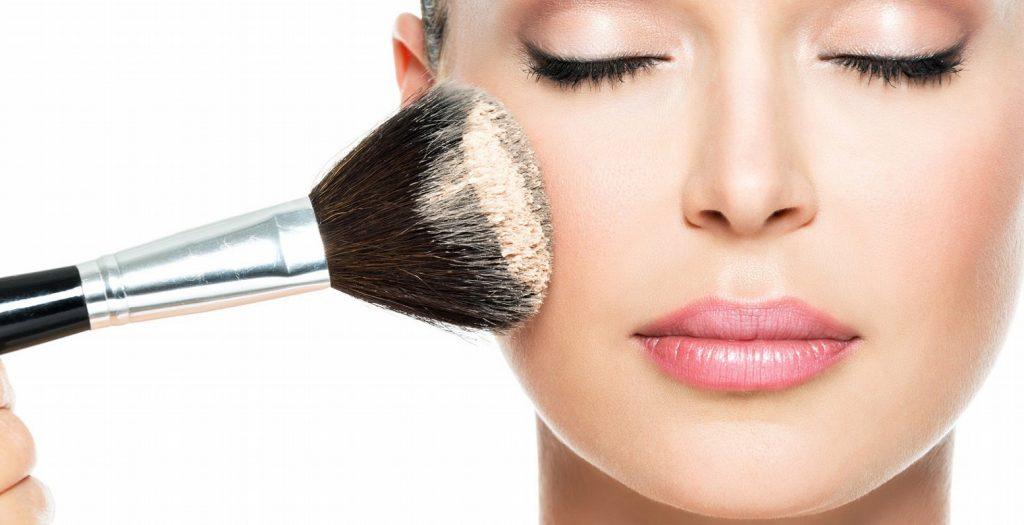 Εύκολο μακιγιάζ μέσα από τις συμβουλές των make-up artists   Pagenews.gr
