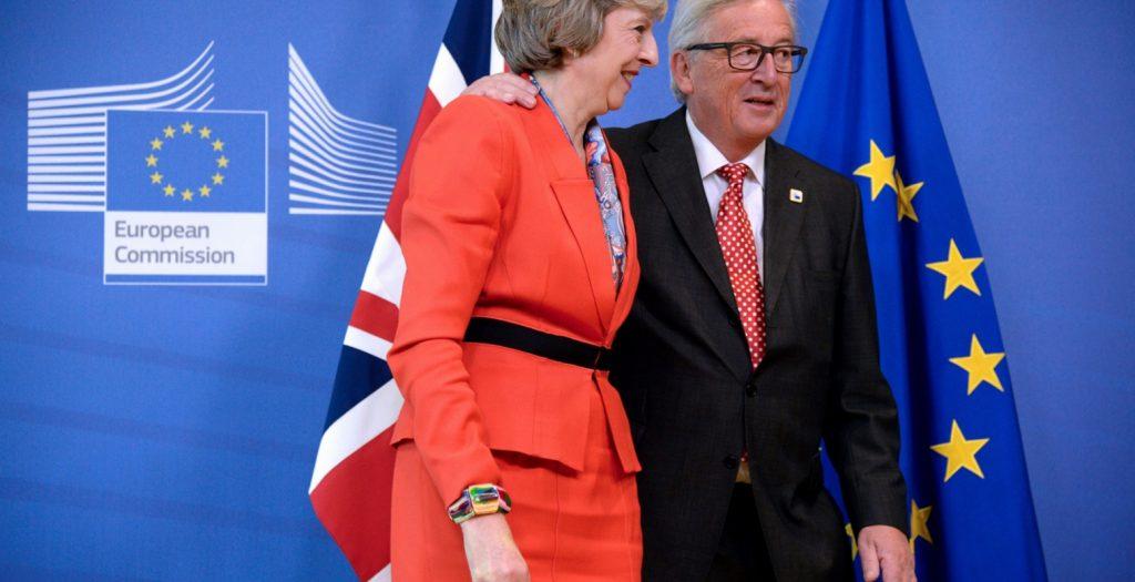 Brexit: Ομαλή έξοδο βλέπει η Μέι μετά το συμβιβασμό με τις Βρυξέλλες | Pagenews.gr