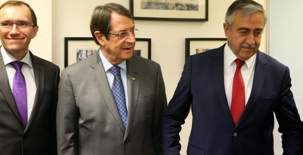 Συνάντηση Αναστασιάδη – Ακιντζί μετά το ναυάγιο στην Ελβετία | Pagenews.gr