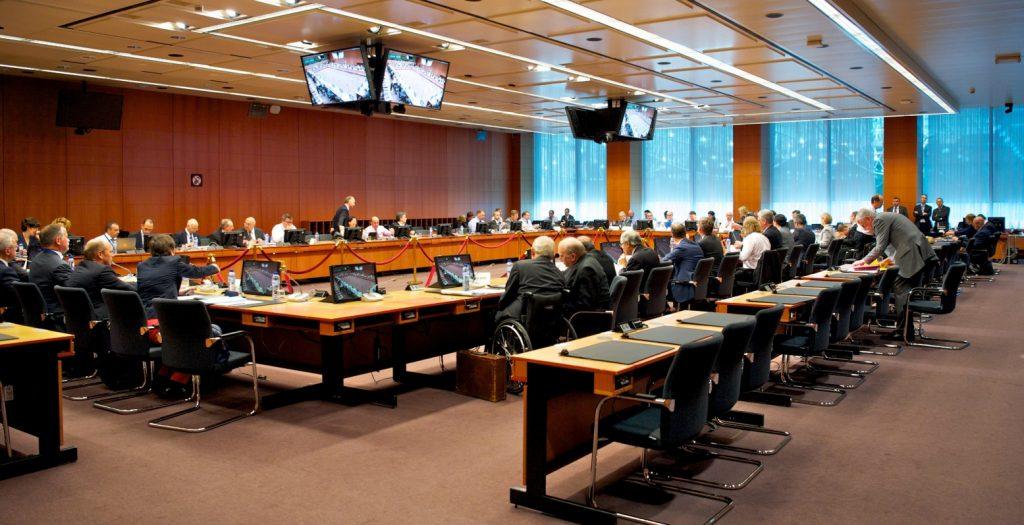 Το Eurogroup θέλει συνδυασμό δημοσιονομικής και νομισματικής πολιτικής στην ΕΕ | Pagenews.gr