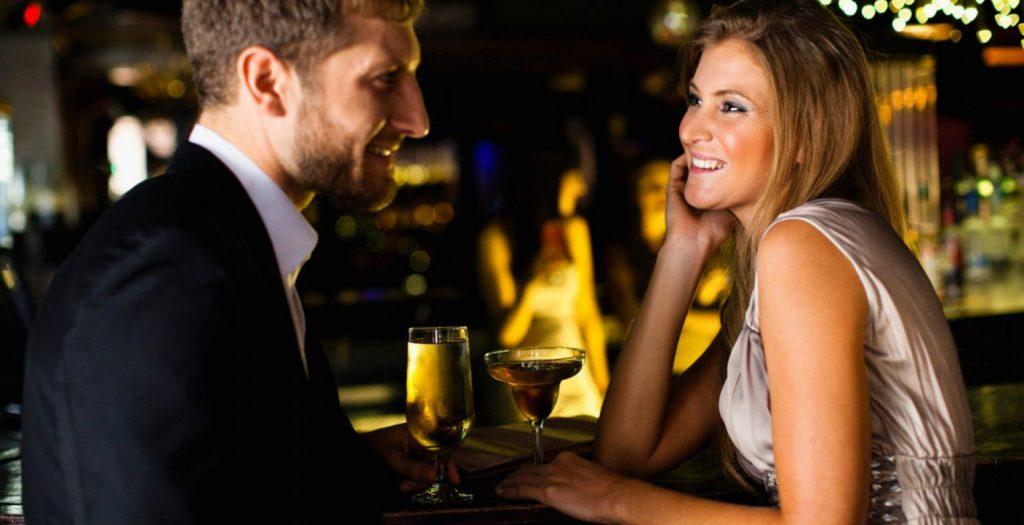 Πώς θα φλερτάρεις στις γιορτές! | Pagenews.gr