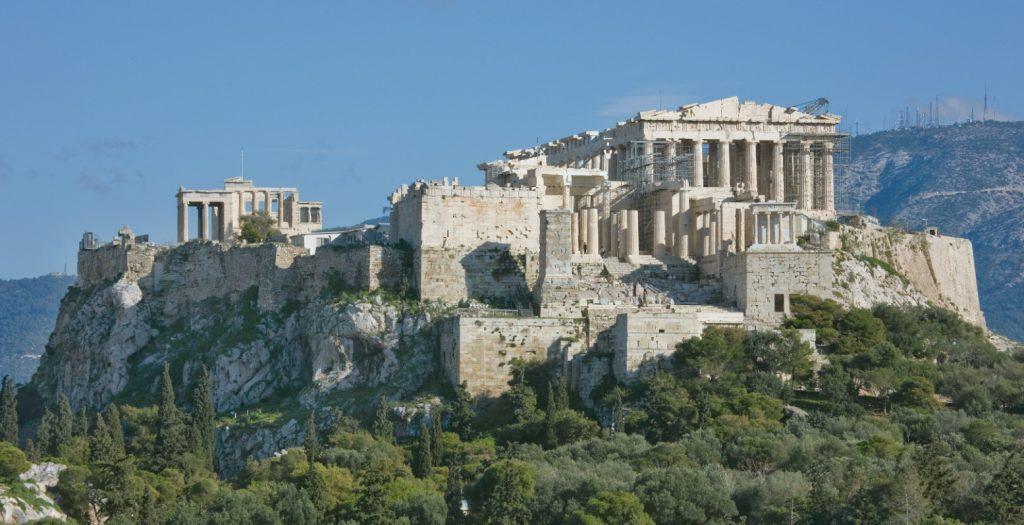 Αρχαιολόγοι καταγγέλλουν: «Ούτε χαρτί τουαλέτας στα μνημεία της χώρας» | Pagenews.gr