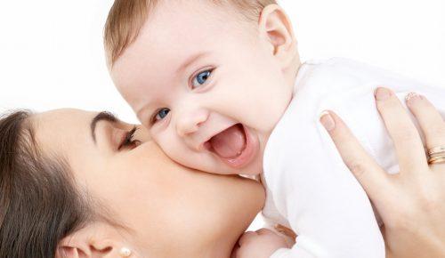 Πράγματα που οι μητέρες πρέπει να αποφύγουν στα μέσα κοινωνικής δικτύωσης | Pagenews.gr
