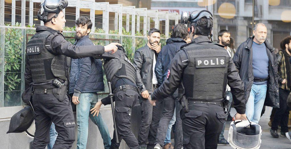Δεκάδες συλλήψεις στην Τουρκία για συνεργασία με το ISIS   Pagenews.gr