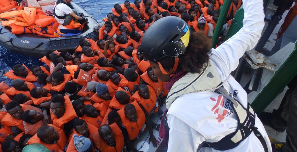 Πάνω από 7.000 μετανάστες και πρόσφυγες αναμένονται σήμερα στην Ιταλία | Pagenews.gr