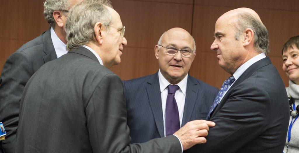 Σαπέν: Αναγκαία μια συνολική συμφωνία για το χρέος με το ΔΝΤ   Pagenews.gr