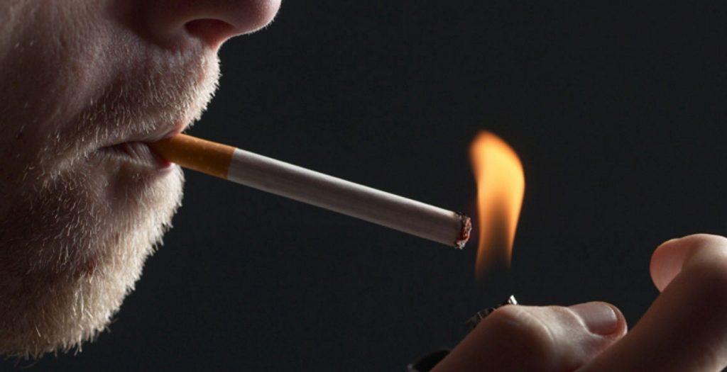 Γαλλία: Μήνυση για «έκθεση σε κίνδυνο θανάτου» εναντίον 4 καπνοβιομηχανιών | Pagenews.gr