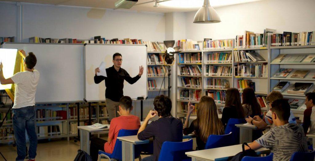 Θεσσαλονίκη: Φοιτητές Ιατρικής του ΑΠΘ ενημερώνουν μαθητές για θέματα υγείας | Pagenews.gr
