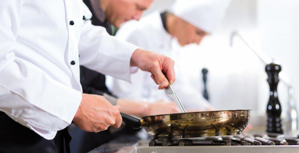 Έλληνας σεφ μεταξύ των 100 κορυφαίων του κόσμου   Pagenews.gr