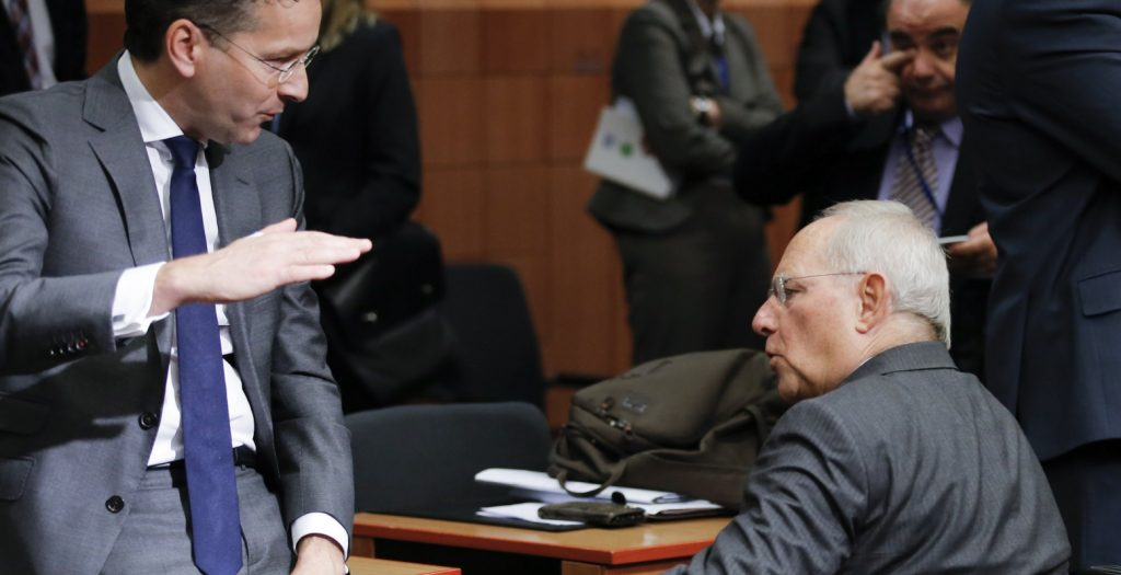 Handelsblatt: Θετικός ο Σόιμπλε για το σχέδιο μείωσης του ελληνικού χρέους | Pagenews.gr