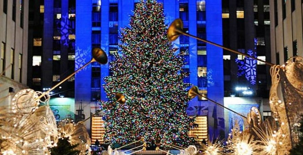 Φωταγωγήθηκε το χριστουγεννιάτικο δέντρο του Rockefeller (video) | Pagenews.gr