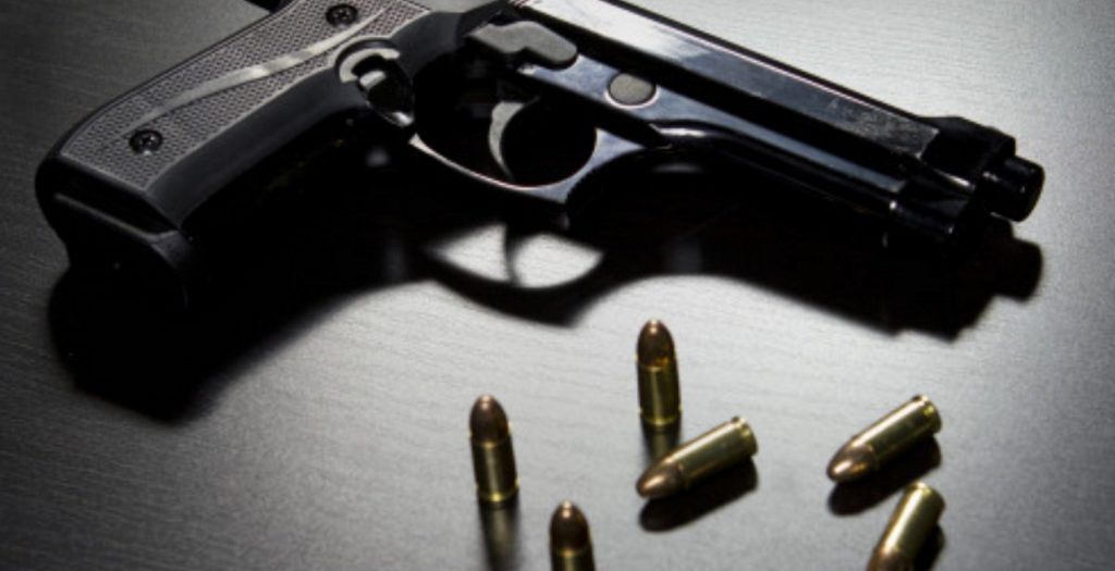 Σοκ με 18χρονη που αυτοκτόνησε μπροστά στους γονείς της | Pagenews.gr