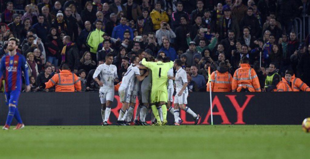 Ρεάλ Μαδρίτης: η πανηγυρική φωτογραφία μετά την ισοπαλία με την Μπάρτσα | Pagenews.gr
