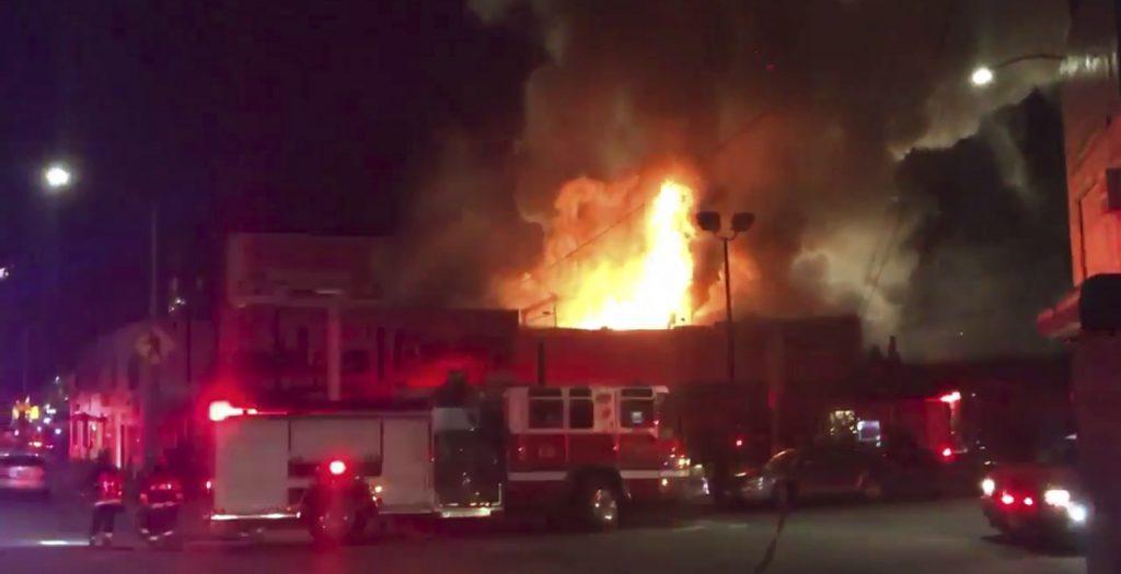 Φονική πυρκαγιά σε πάρτι σε αποθήκη στο Όκλαντ της Καλιφόρνιας | Pagenews.gr