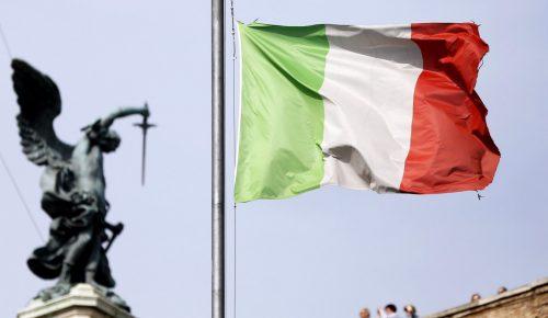 Ιταλία: Μπρα-ντε-φερ ανάμεσα στους λαϊκιστές και τον πρόεδρο Ματαρέλα | Pagenews.gr