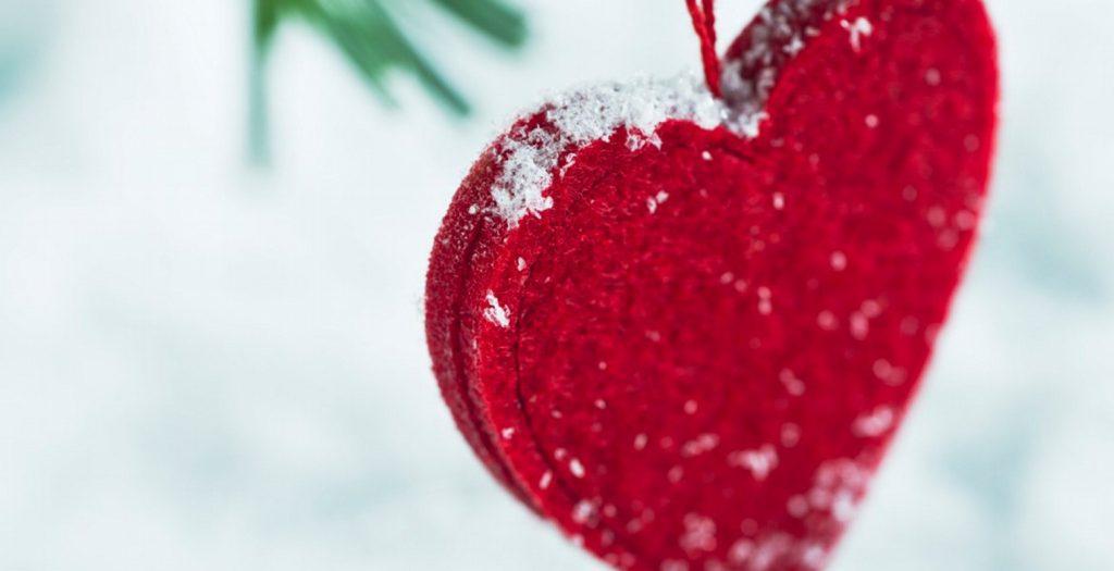 12 πονηρά χριστουγεννιάτικα υπονοούμενα για να τον τρελάνεις! | Pagenews.gr