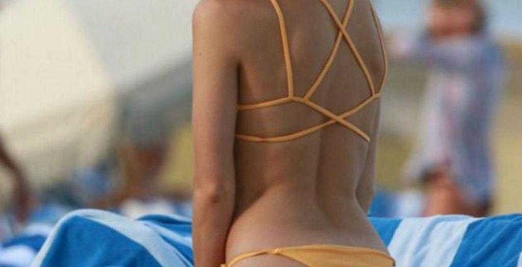 «Χάθηκε» στα οπίσθια το μπικίνι γνωστού μοντέλου! (pics) | Pagenews.gr
