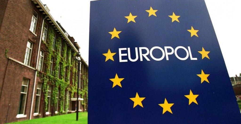 Η Europol ερευνά εκ νέου το πιο πολύνεκρο ναυάγιο μεταναστών του 2016 | Pagenews.gr