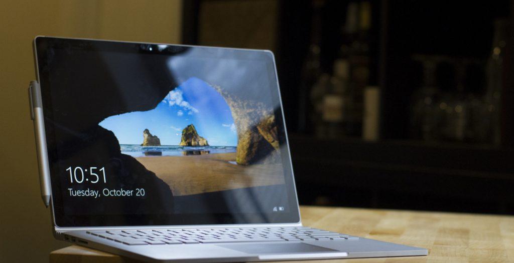 Microsoft: Surface Book  VS MacBook (video) | Pagenews.gr
