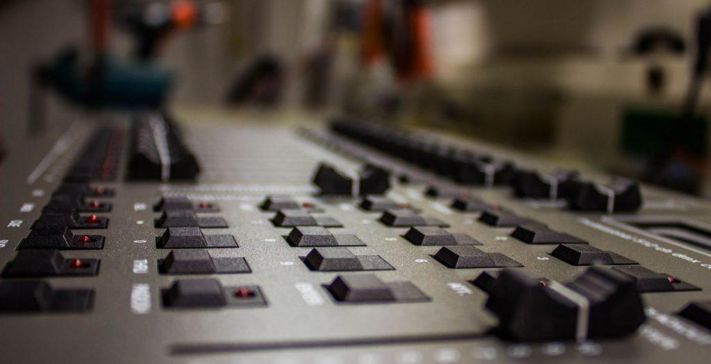 Σημαντική αύξηση στον τζίρο των media για το γ΄ τρίμηνο | Pagenews.gr