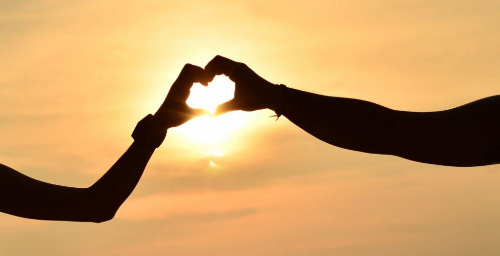 Ημερήσιες ερωτικές προβλέψεις Πέμπτης για όλα τα ζώδια! | Pagenews.gr
