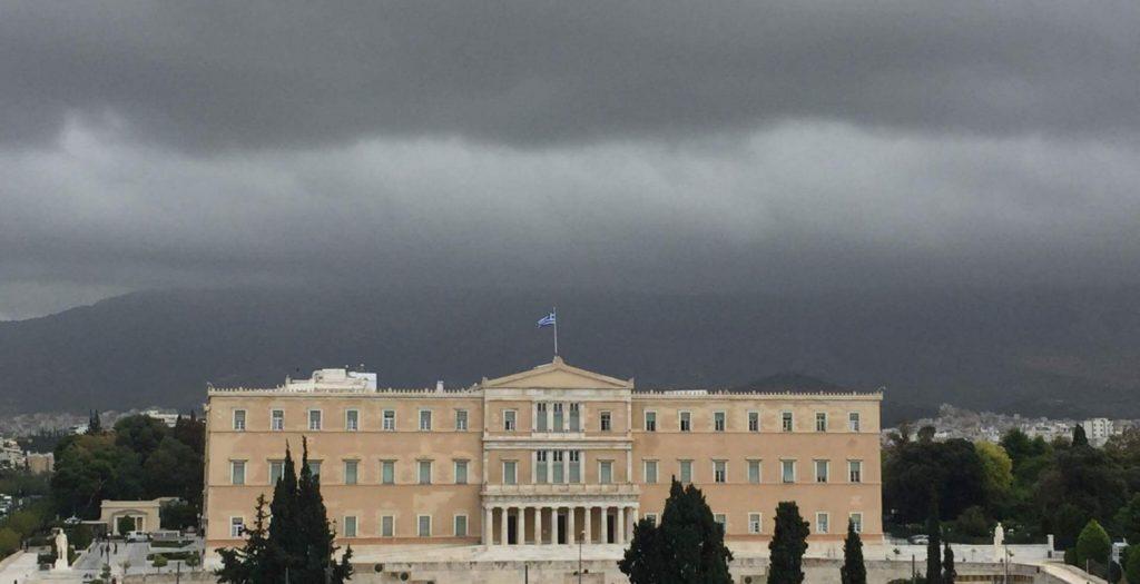 Καιρός: Νεφώσεις, μπόρες και υψηλές θερμοκρασίες | Pagenews.gr