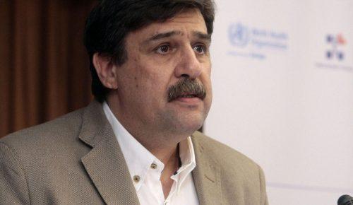 Με πανό και συνθήματα υποδέχτηκαν τον Υπουργό Υγείας (vid) | Pagenews.gr