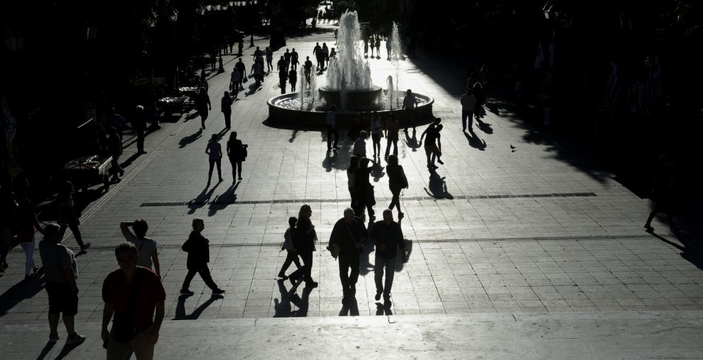 Le Monde: Ανάσα οξυγόνου για τις μεσαίες επιχειρήσεις στην Ελλάδα | Pagenews.gr
