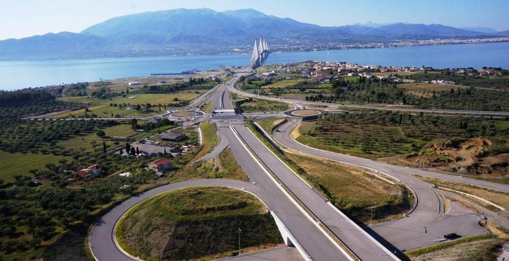 Ιονία Οδός: Το πρώτο τροχαίο στο τμήμα που παραδόθηκε στην κυκλοφορία τη Μ.Τετάρτη (pics) | Pagenews.gr
