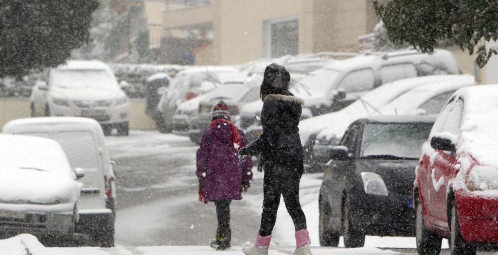 Συνεχίζεται η επέλαση του χιονιά και την Παρασκευή | Pagenews.gr