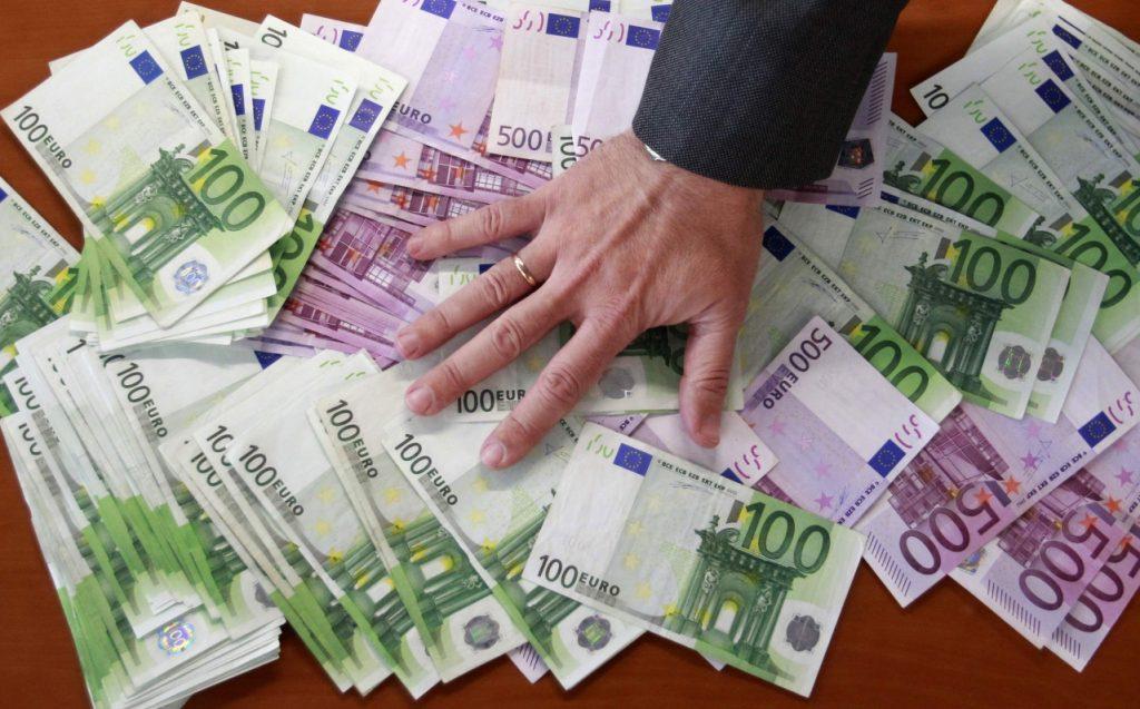 Παράνοια φόρων: Εκκαθαριστικό 3.237 ευρώ για εισόδημα 921 ευρώ!   Pagenews.gr