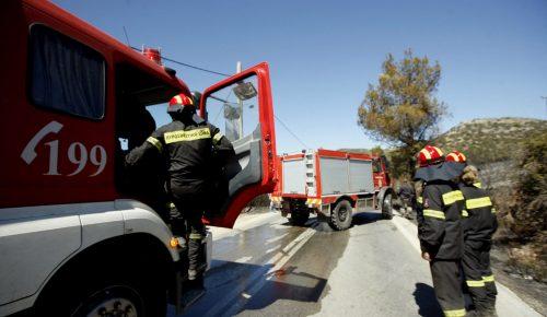 Πυρκαγιά σε εργοστάσιο στη Μάνδρα Αττικής | Pagenews.gr