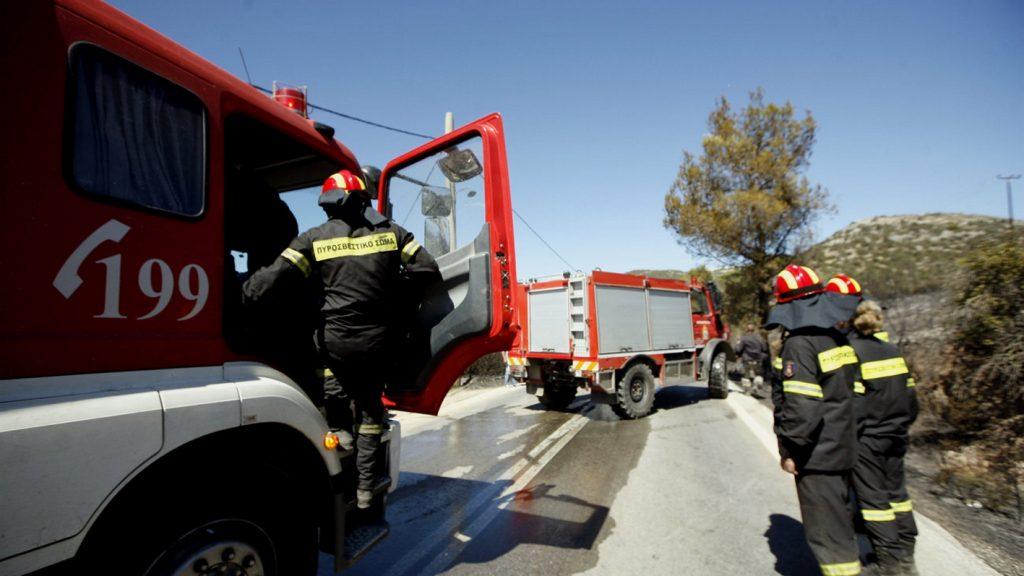 Θεσσαλονίκη: Φωτιά σε τουριστικό λεωφορείο στην Περιφερειακή Οδό   Pagenews.gr