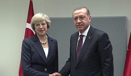 Τηλεφωνική επικοινωνία Μέι – Ερντογάν για Συρία και οικονομικά θέματα | Pagenews.gr