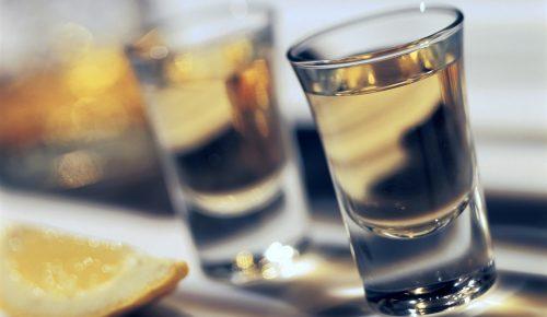 Ζάκυνθος: Κατασχέθηκαν 300 λίτρα οινοπνευματώδη ποτά επικίνδυνα για την υγεία   Pagenews.gr