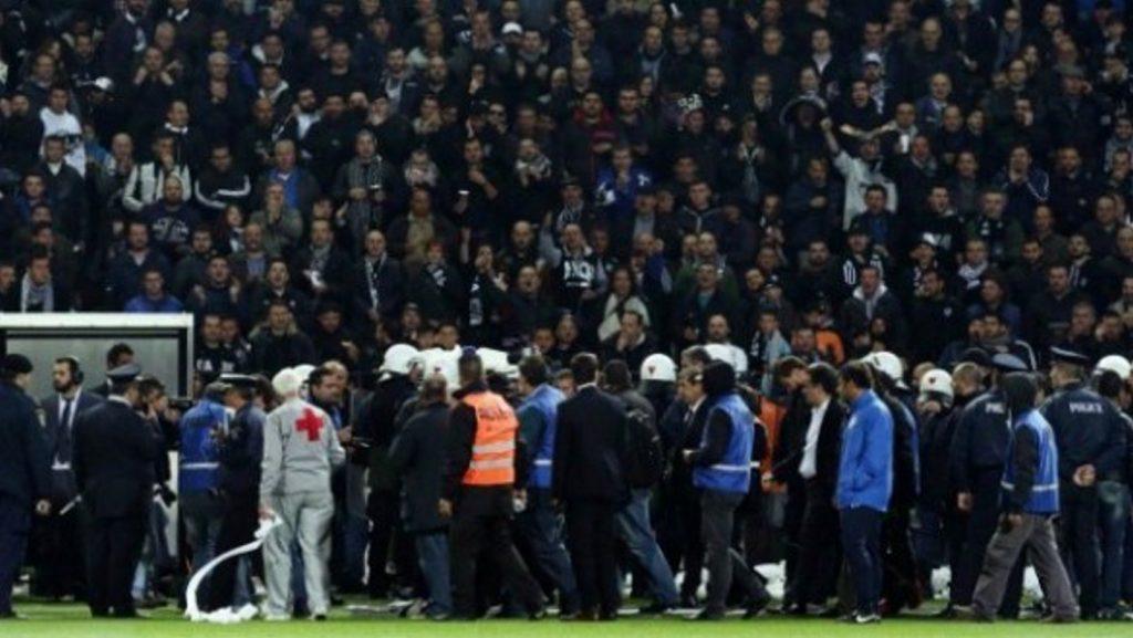 «Ξύλο» ανάμεσα στους οπαδούς της Άρσεναλ για τον… Βενγκέρ! (vids)   Pagenews.gr