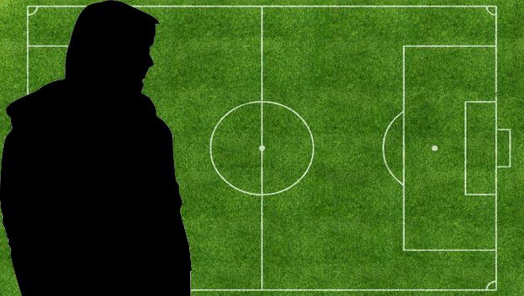 Έλληνας προπονητής παίζει το… κεφάλι του αυτή την αγωνιστική – Ποιος είναι;   Pagenews.gr