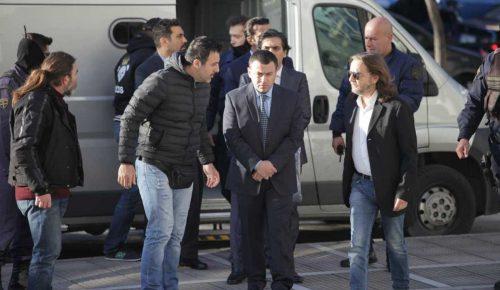 Τουρκία: Νέες απειλές για τους 8 αξιωματικούς – «Θα αισθάνονται την ανάσα μας στον σβέρκο τους» | Pagenews.gr