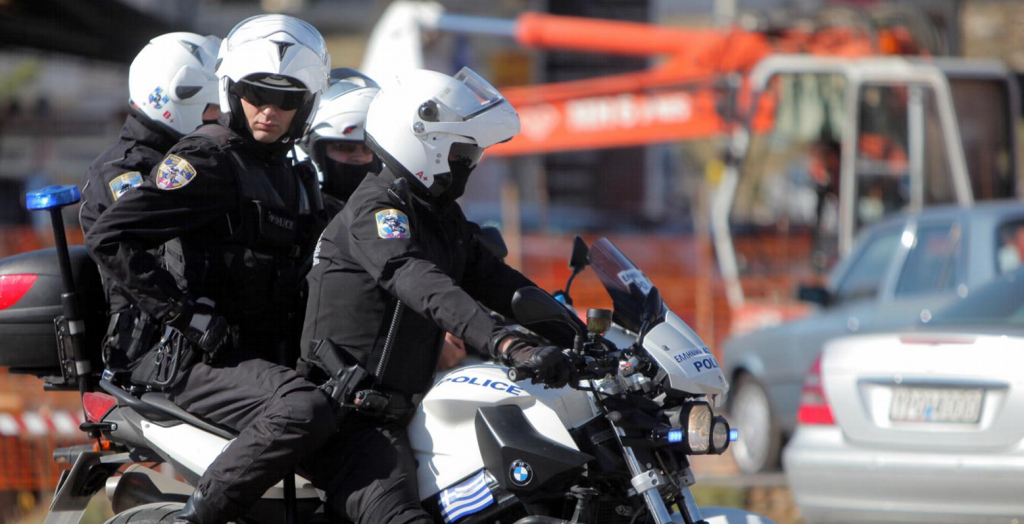 Αναστάτωση στη Θεσσαλονίκη – Άνδρας κυκλοφορούσε με όπλο   Pagenews.gr