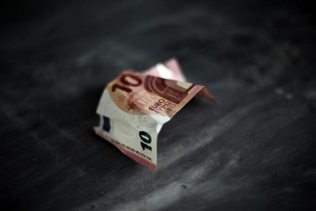 Παραοικονομία στην Ελλάδα: Παγκόσμια πρωταθλήτρια η χώρα μας | Pagenews.gr